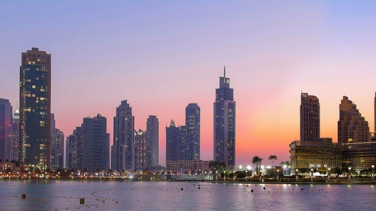 Implantation à Dubaï, comment obtenir un visa pour les Émirats ?