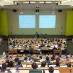 Est-il plus logique de rester à l'Université quand on veut devenir entrepreneur ?