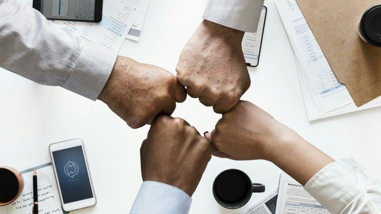 Comment entretenir la relation entre vos clients et votre société ?
